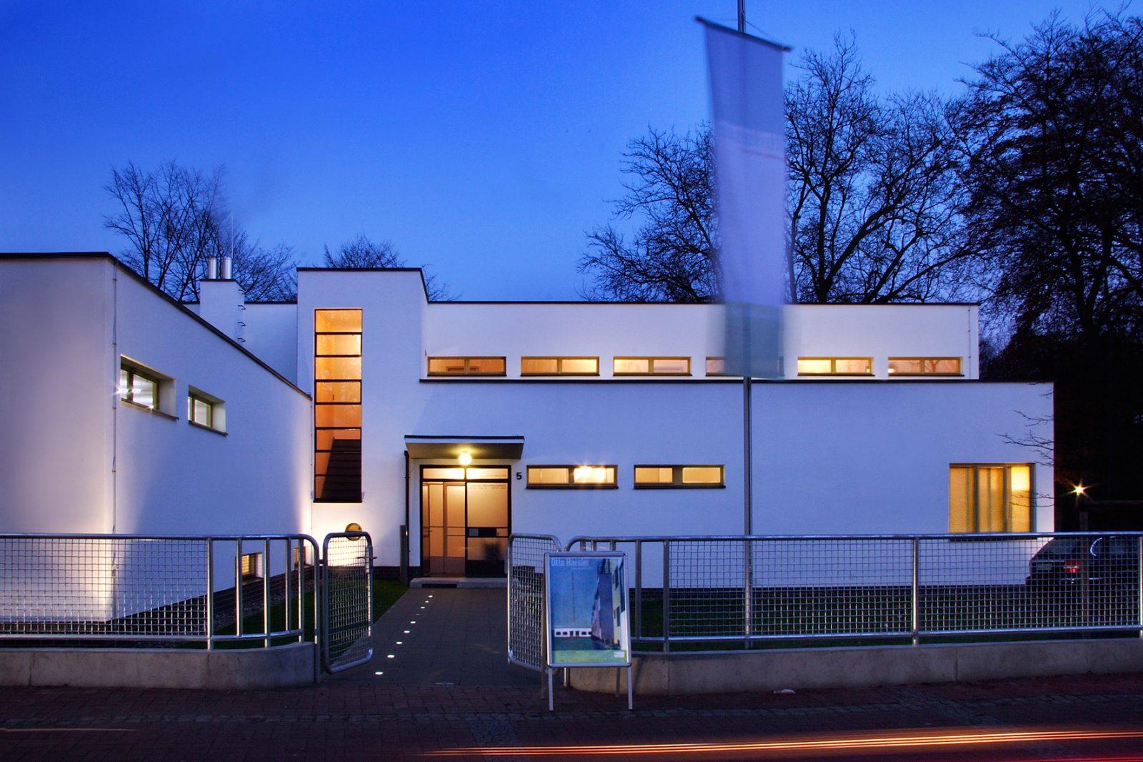 Ehemaliges Direktorenwohnhaus, heute: Galerie Dr. Jochim (A.: Otto Haesler, 1931), Foto: Hagen Immel, 2006